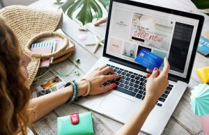 How To Stay Safe When Online Shopping This Holiday Season